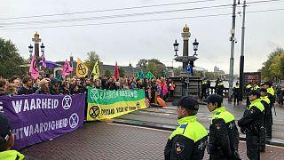 راهپیمایی کنشگران «شورش انقراض» در آمستردام