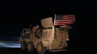 شاهد: القوات الأميركية تعيد تموضعها في شمال شرق سوريا بعد تعرضها لقصف تركي