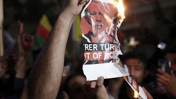Πορείες Κούρδων για την τουρκική εισβολή στη Συρία