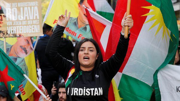 Zehntausende Kurden protestieren - 10 Fotos aus Zürich, Köln, Berlin