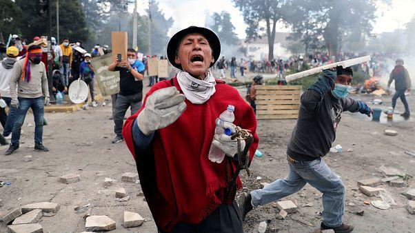 Un manifestante durante una protesta contra las medidas de austeridad del presidente Lenín Moreno, en Quito, Ecuador, el 12 de octubre de 2019.