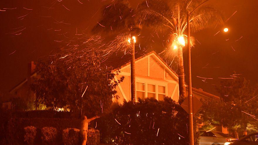 Καλιφόρνια: Μαίνεται η πύρινη λαίλαπα - Κάρβουνο πάνω από 8.000 εκτάρια