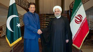 الرئيس الإيراني حسن روحاني يستقبل رئيس وزراء باكستان عمران خان في طهران. 13/أكتوبر/2019