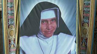 Öt új szentet avatott a pápa