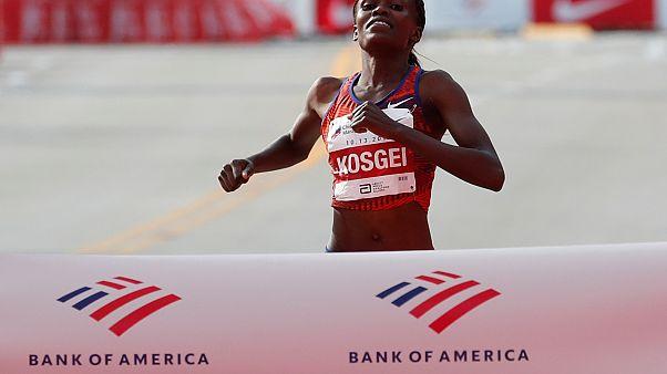 Kenyan Brigid Kosgei sets new women's marathon world record, beating Paula Radcliffe's 2003 time