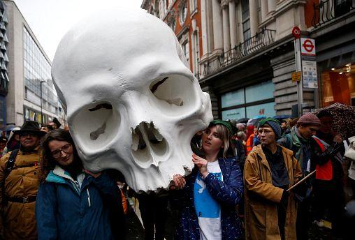 """Что такое """"Восстание вымирающих"""" и почему о нем так много говорят"""