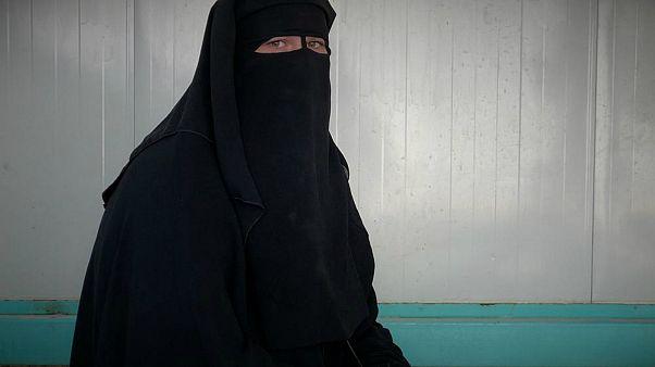 آینده مظنونان ارتباط با داعش؛ از زندگی «مثل سگ» در سوریه تا زندان در اروپا