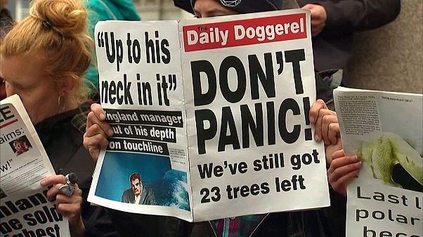 """شاهد: نشطاء يحتجون أمام """"بلاك روك"""" في لندن لأجل المناخ"""