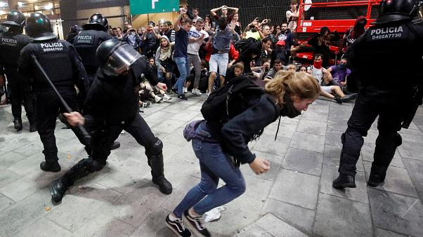 Flights cancelled as pro-separatist protesters clash with police at Barcelona airport