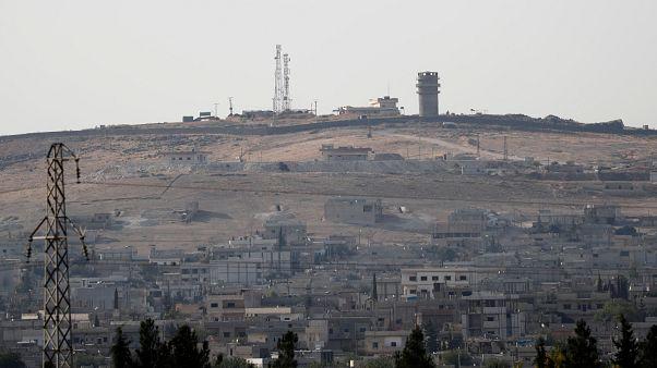 Les forces turques progressent à la frontière syrienne