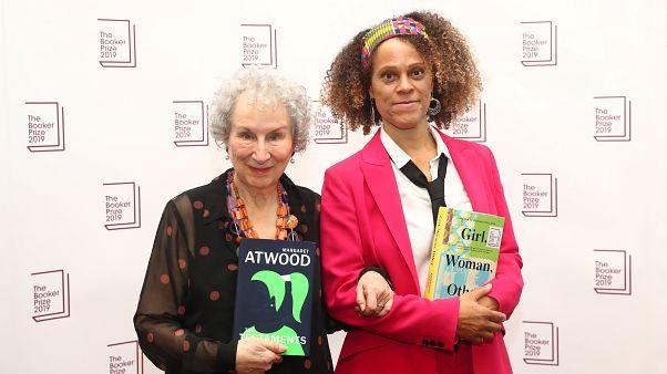 Booker Prize 2019 al femminile, vincono Atwood ed Evaristo