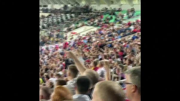 Video: Bulgaristan - İngiltere maçı Nazi selamı nedeniyle 2 kez durduruldu