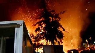 Hatalmas tűz egy görög menekülttáborban