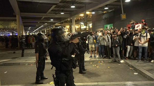 Video | Bağımsızlık yanlısı Katalanlar polisle çatıştı