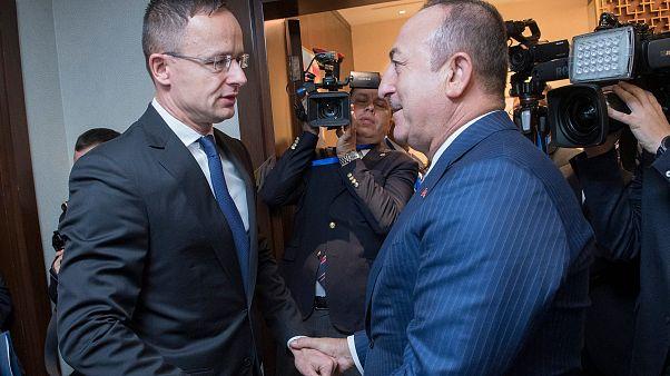 Szijjártó szerint a magyarok érdeke a török offenzíva