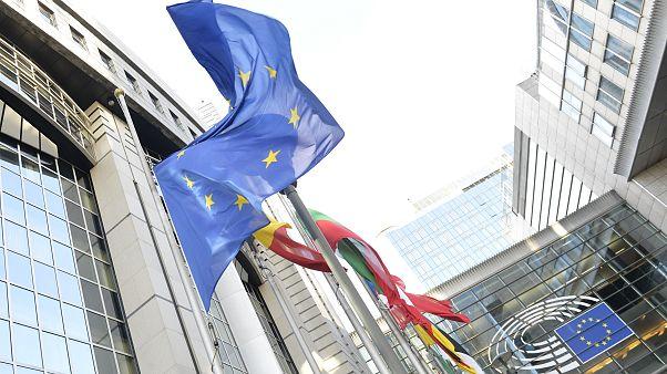 """""""Μπλόκο"""" από Γαλλία σε Αλβανία και Β.Μακεδονία για ένταξη στην ΕΕ"""