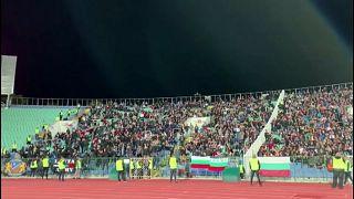 استقالة رئيس الاتحاد البلغاري لكرة القدم على خلفية هتافات عنصرية في مباراة
