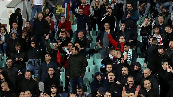 توهین های نژادی تماشاگران بلغاری در جریان مسابقه تیم ملی کشورشان با انگلیس