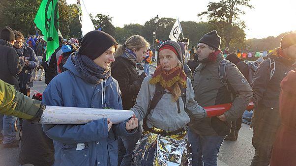 Euronews exklusiv unterwegs mit Extinction Rebellion