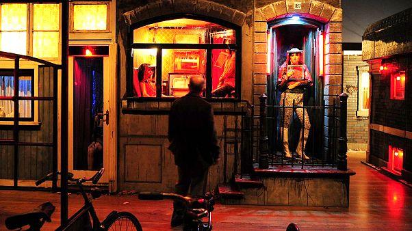 Hollanda'da seks işçileri için 'vesika' dönemi başlıyor: Amaç insan ticaretini engellemek