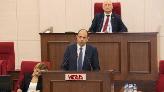 Οι δηλώσεις Ακιντζί προκάλεσαν κρίση στην ψευδοβουλή των κατεχομένων!