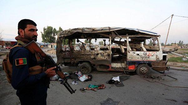 مقتل ثلاثة أشخاص على الأقل وجرح 20 طفلا في انفجار في أفغانستان
