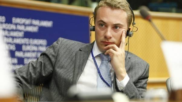 AB Yolsuzlukla Mücadele Ofisi, AP'de yüzbinlerce euroluk usulsüz fon kullanımı tespit etti
