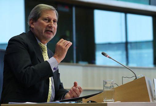 """""""Breves de Bruxelas"""": deslisuão nos Balcãs e atraso na nova Comissão"""