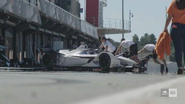 Megkezdődött a Formula-E autók tesztje Valenciában