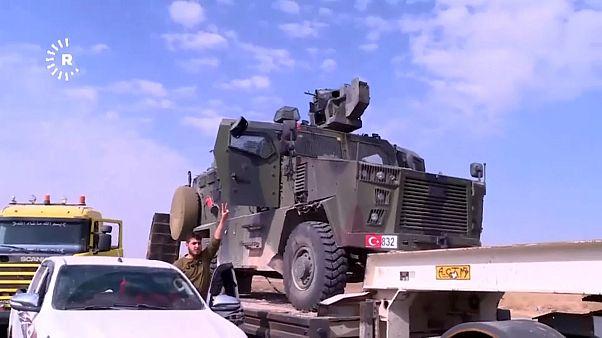 """شاهد: قوات سوريا الديمقراطية تعرض مدرعة تركية بعد """"الاستيلاء عليها"""""""