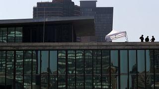 قناصة الخدمة السرية الأمريكية يشغلون مناصبهم في مباني مجاورة لمقر الأمم المتحدة في نيويورك
