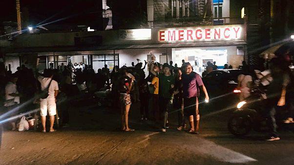 شاهد: إخلاء مبنى في الفلبين بعد وقوع زلزال بقوة 6.7 درجات