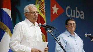 El doble espaldarazo que ha llevado Borrell a Cuba