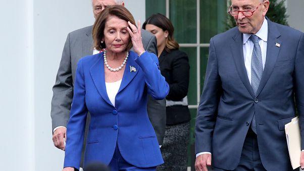 Betegnek és kezelésre szorulónak nevezte egymást Trump és a demokraták elnöke, Nancy Pelosi