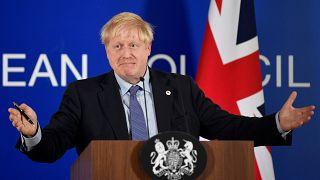 Boris Johnson celebrou acordo do Brexit em Bruxelas e agora tem de o aprovar em Londres
