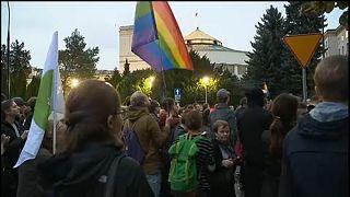 Pologne : un millier de manifestants pour défendre l'éducation sexuelle