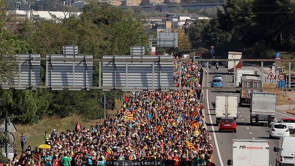 Разъяренная Каталония: почти 150 раненых за четыре дня протестов