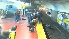 Buenos Aires: Mann fällt in Ohnmacht und stößt Frau vor einfahrende U-Bahn