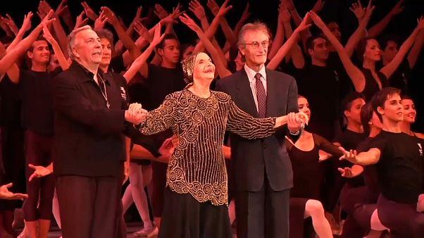 Alicia Alonso en una imagen de archivo junto al tenor español Plácido Domingo