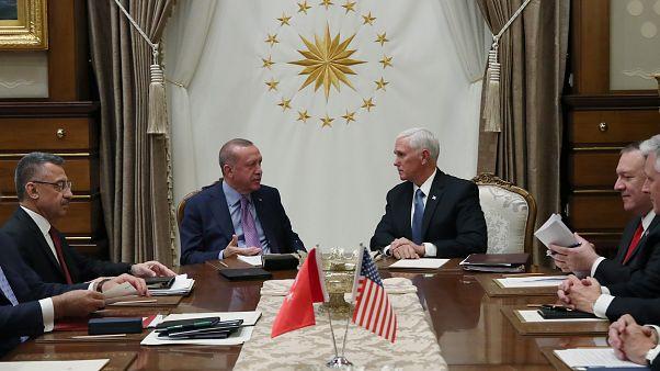 США и Турция прокомментировали приостановку военной операции в Сирии