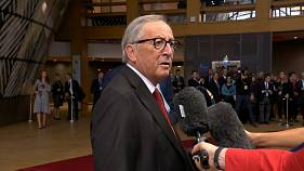 """Ich spreche gerade!"" - Juncker herrscht Journalisten an"