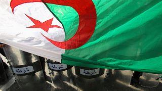 """من إحدى التظاهرات في الجزائر ضد """"رموز النظام السابق"""""""