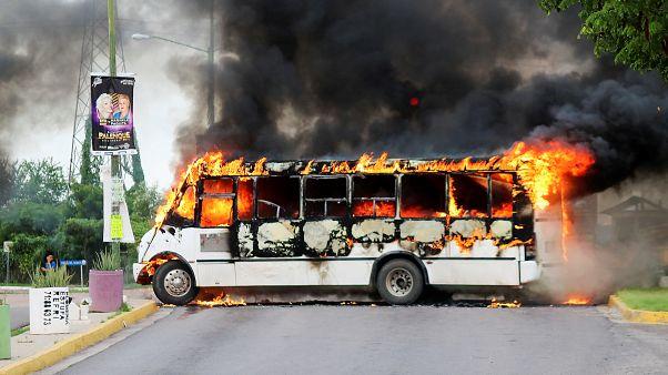 Meksika: Uyuşturucu karteli, 'Bücür' lakaplı El Chapo'nun oğlu için kenti savaş alanına çevirdi