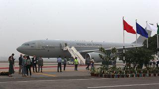 Ισχυρές αναταράξεις ματαίωσαν δύο φορές την προσγείωση του πριγκιπικού αεροσκάφους