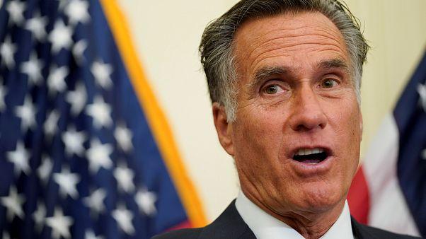"""Cumhuriyetçi Senatör Mitt Romney'den Trump'a eleştiri: """"ABD bu kadar zayıf ve beceriksiz mi?"""""""