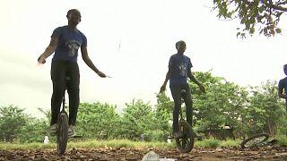 Μονόκυκλα στους δρόμους του Λάγος