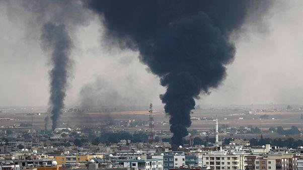 Füst száll fel az északkelet-szíriai Rász el-Ajn városából október 16-án