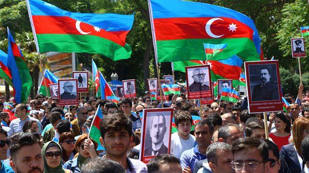 Azerbaycan'da 28 Mayıs 1918'de ilan edilen Cumhuriyetin 100. yıl dönümü çeşitli etkinliklerle kutlandı Arşiv Resul Rehimov - Anadolu Ajansı )
