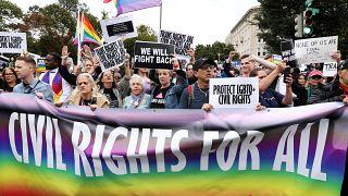 هونغ كونغ: محكمة تحظر الزواج المدني للمثليين