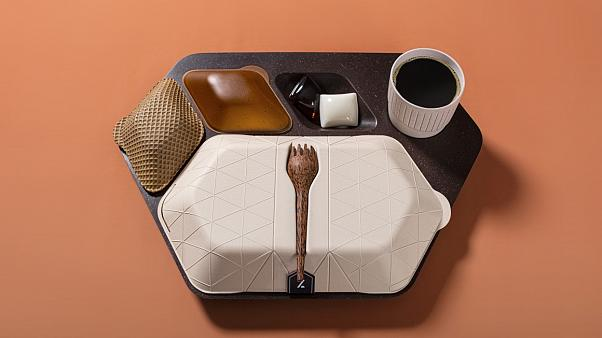 Edible airline meal tray